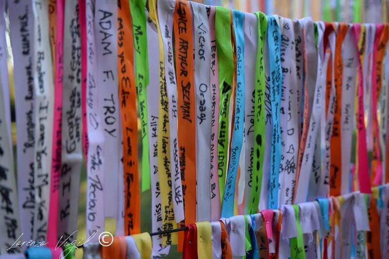 ribbon wall at samaritans 5k